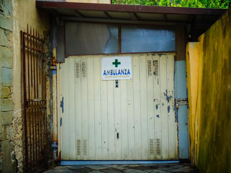 Ziekenwagen in kuba royalty-vrije stock foto