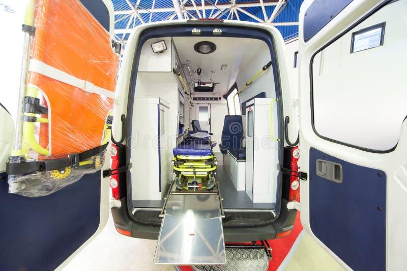 De achtermening van de ziekenwagen stock fotografie