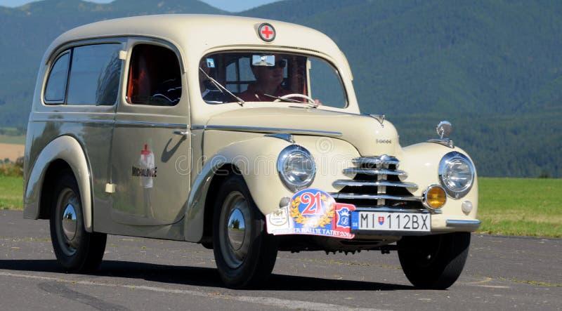 Ziekenwagen - SkodaTudor 1948 royalty-vrije stock foto