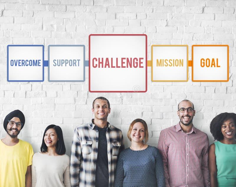 Ziel-Ehrgeiz-Herausforderung überwinden Ziel-Konzept stockbild