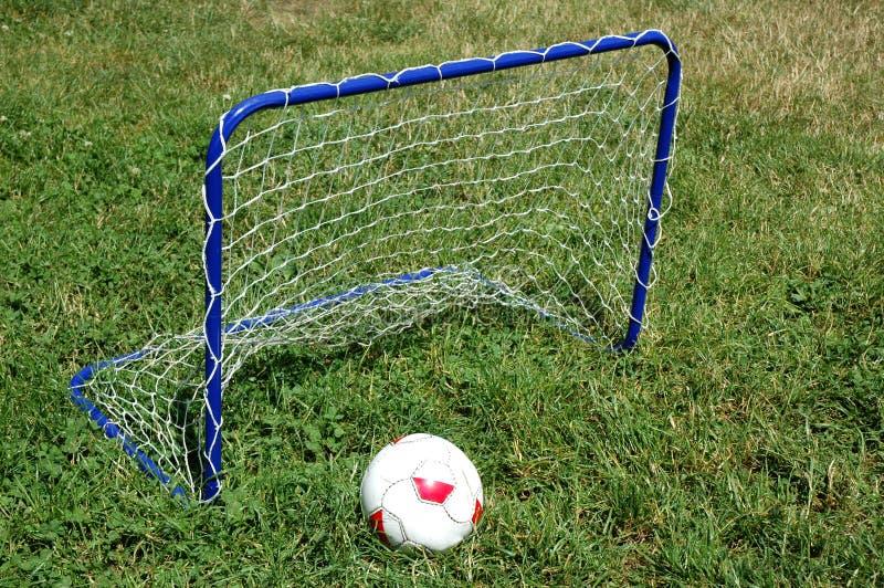Ziel- und Fußballkugel stockbilder