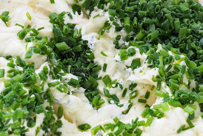 Zielarski masło z szczypiorkami fotografia royalty free