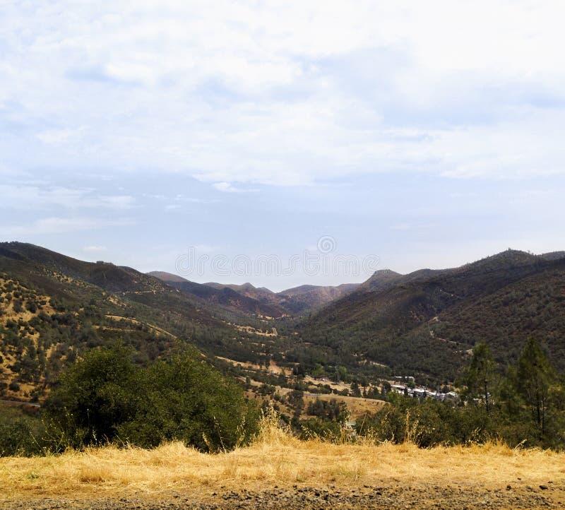 Zieleni halni wzgórza obraz stock