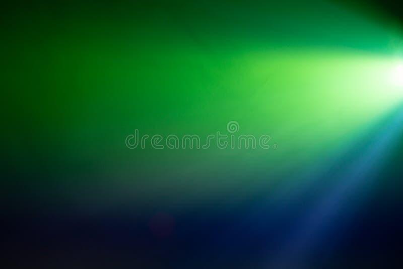 zieleni i błękita dymny światło reflektorów fotografia royalty free