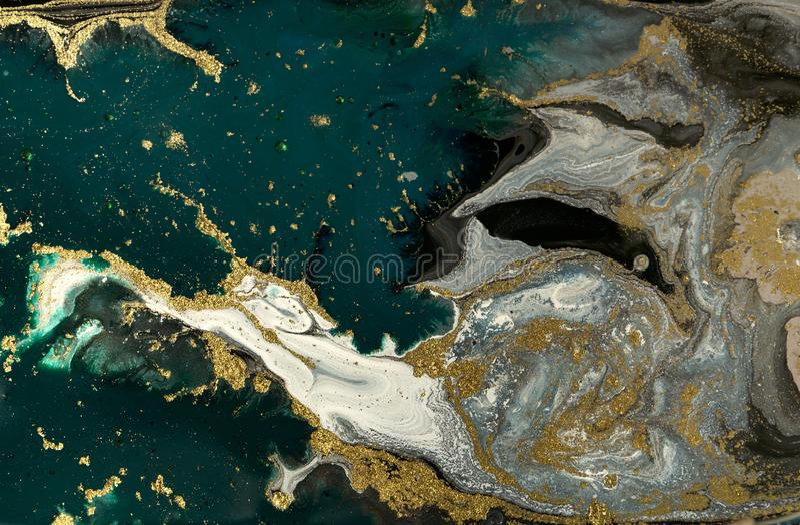 Zieleni i błękita marmurowy abstrakcjonistyczny akrylowy tło Marmoryzaci grafiki tekstura Agat czochry wzór Złoto proszek zdjęcie royalty free