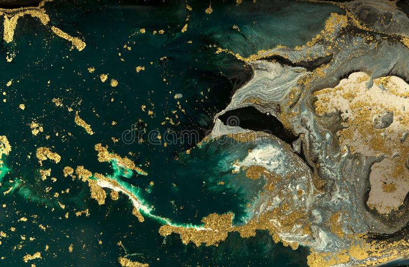 Zieleni i błękita marmurowy abstrakcjonistyczny akrylowy tło Marmoryzaci grafiki tekstura Agat czochry wzór Złoto proszek fotografia royalty free