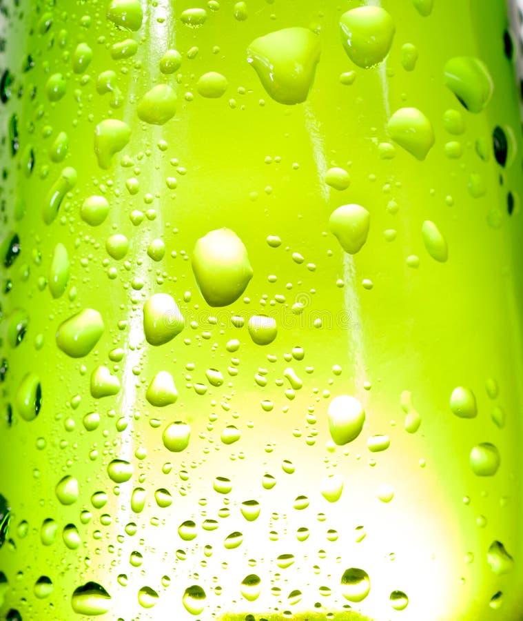 Download Zieleni krople obraz stock. Obraz złożonej z tło, deszczówka - 27991433