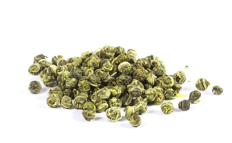 zieleni odosobnionego liść luźna perełkowa herbata obrazy royalty free