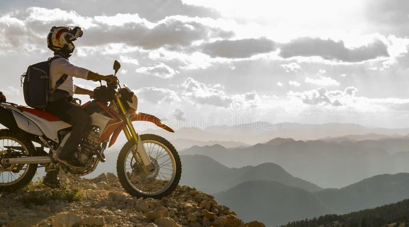 Zielerfolg mit dem Motorrad stockbild