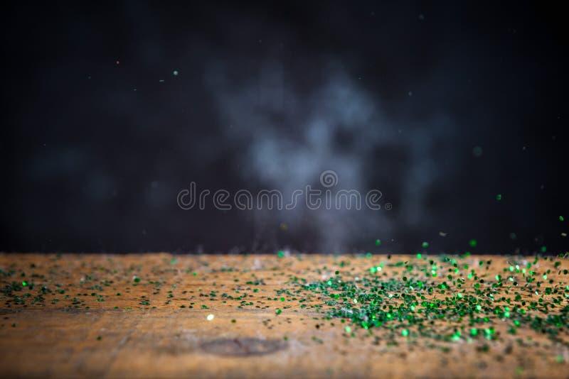Zielona błyskotliwość Zaświeca tło Rocznika błyskotanie Bokeh Z Sele obrazy royalty free