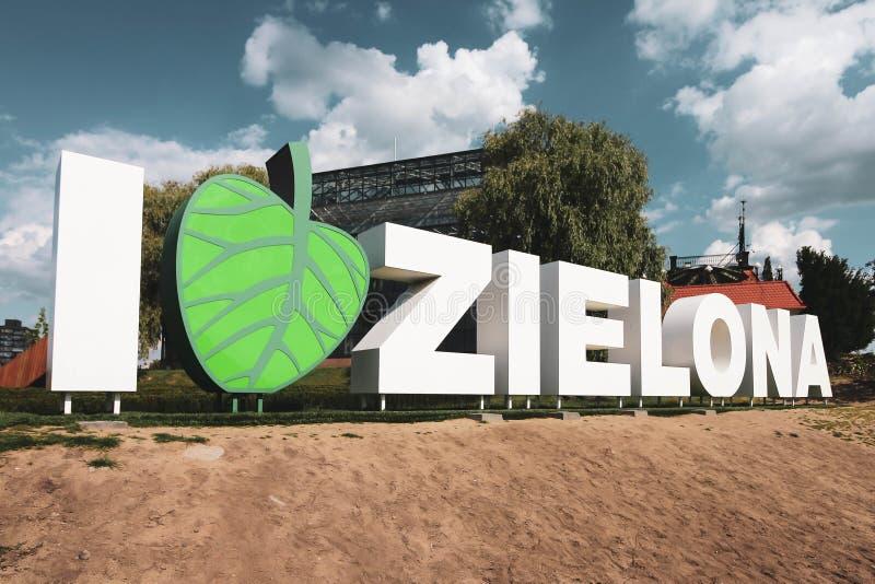 ZIELONA GORA, LUBUSKIE, POLONIA - 1 DE JUNIO DE 2019 ?Amo lema de la ciudad de Zielona ?- Zielona Gora fotos de archivo