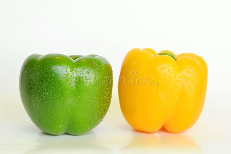 Zielona i żółta papryka obraz royalty free