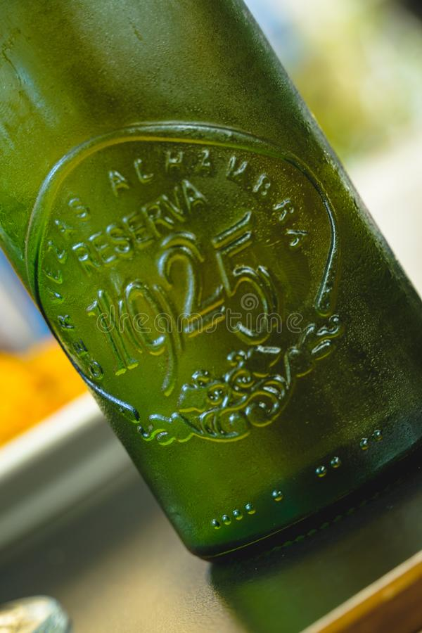 Zielona piwna butelka Alhambra 1925 obraz royalty free