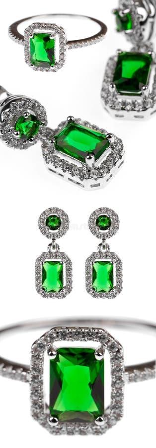Zielona szmaragdowa biżuteria, pierścionek i kolczyki odizolowywający na bielu, zdjęcie royalty free