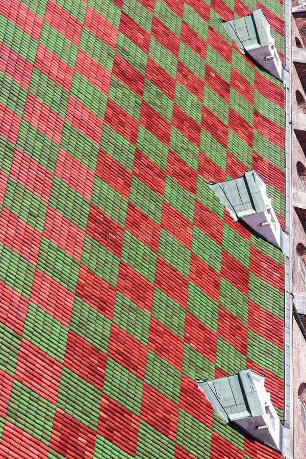 zielona tło czerwień zdjęcie stock