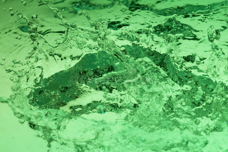 Download Zielona woda zdjęcie stock. Obraz złożonej z zdrowy, energia - 13334930