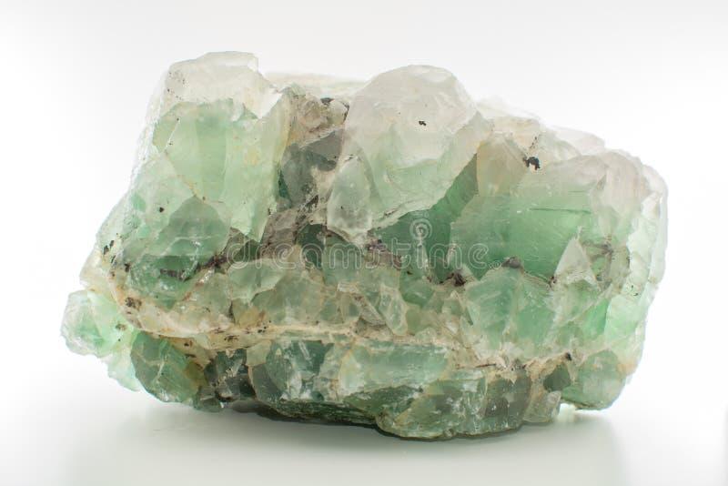 Zielonego gemstone naturalny kopalny fluorek lub zieleni beryl odizolowywający fotografia royalty free