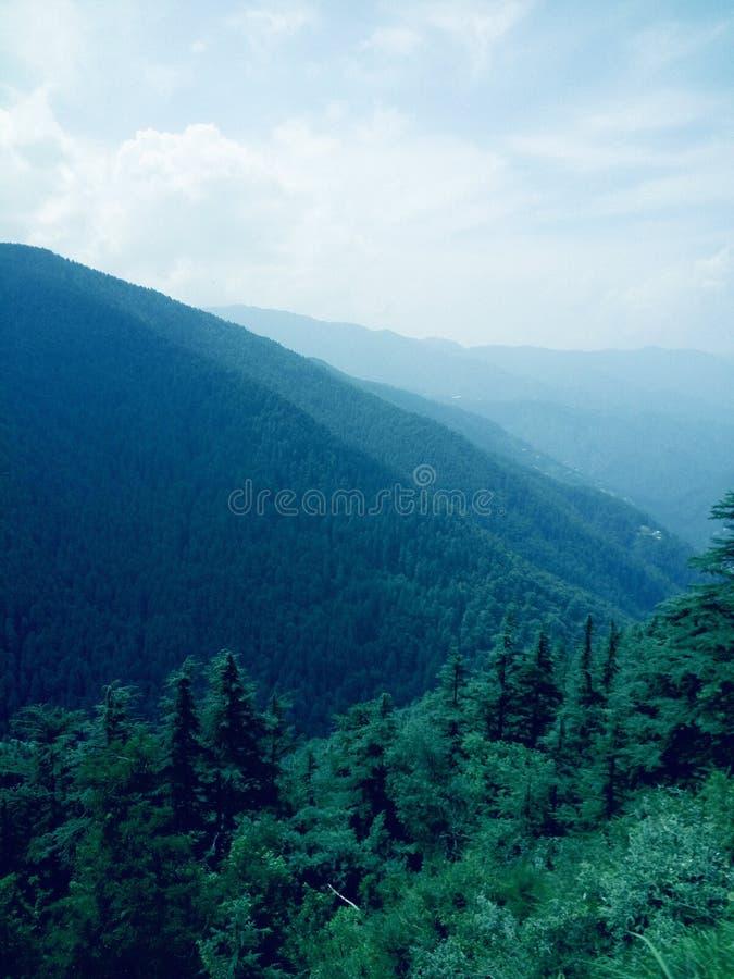 Zielonej doliny widoku sposób kufri zdjęcie royalty free