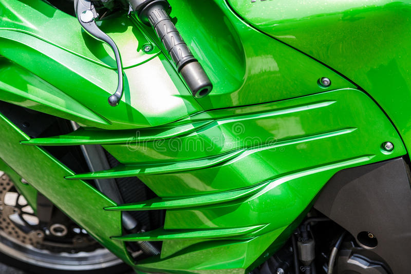 Zielony Cowling na motocyklu obrazy royalty free