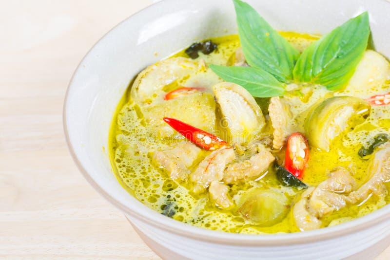 Zielony curry'ego kurczak, Tajlandzki jedzenie, tradycyjny i popularny, Zielony cu obrazy royalty free