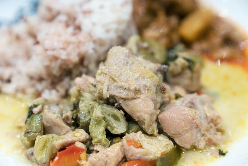 Zielony curry z kurczakiem obraz royalty free