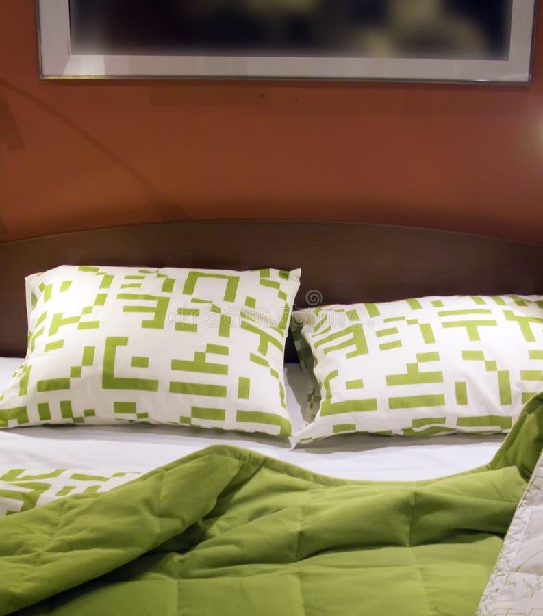 zielony do łóżka obrazy stock