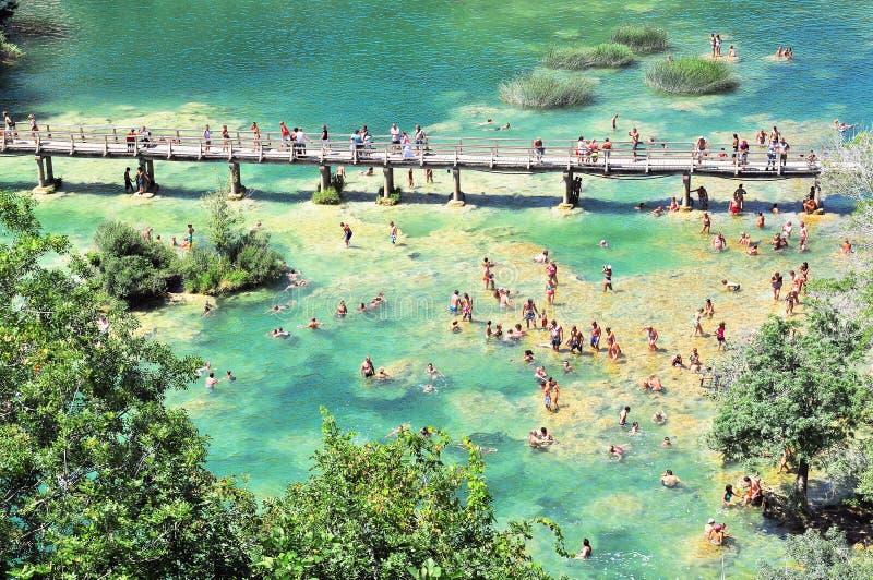 Zielony jezioro Krka park narodowy zdjęcia stock