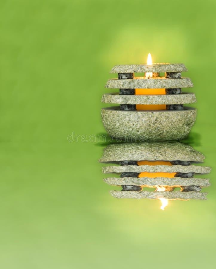 zielony kamień świece. zdjęcia stock