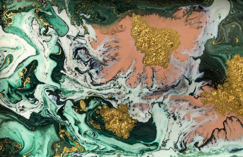 Zielony marmurowy abstrakcjonistyczny akrylowy tło Marmoryzaci grafiki tekstura Agat czochry wzór Złoto proszek zdjęcie stock