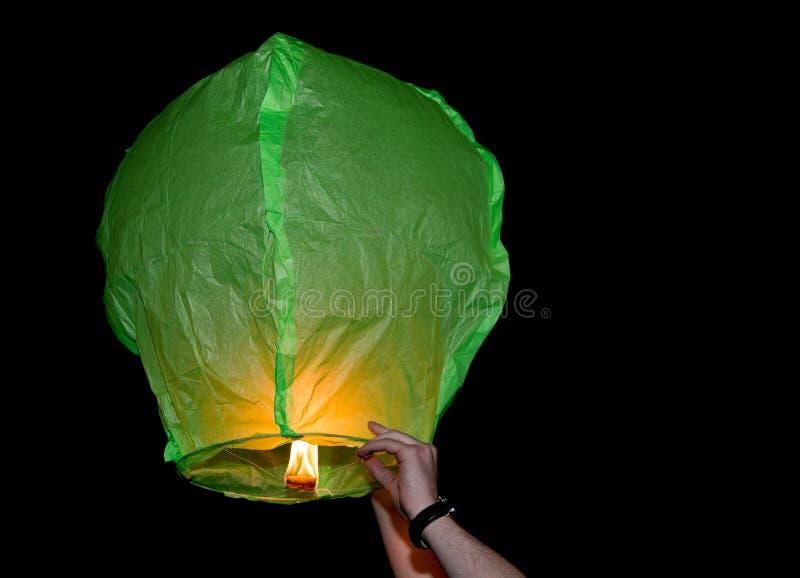 Zielony papierowy lampion uwalnia obraz stock