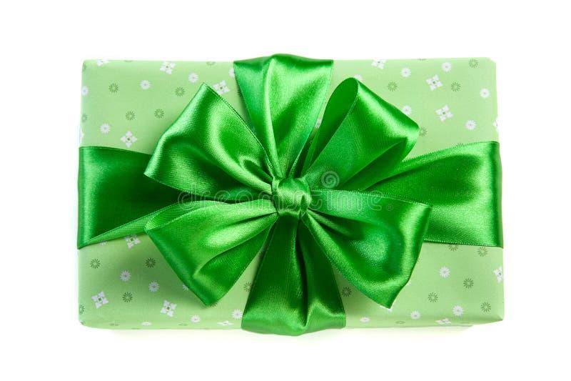 Zielony prezenta pudełko dla świętego Patrick dnia zdjęcia royalty free
