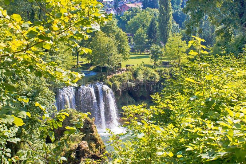 Zielony raj Rastoke siklawy fotografia stock