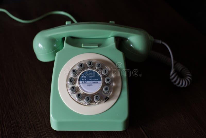 Zielony rocznik Obrotowej tarczy telefon obrazy stock