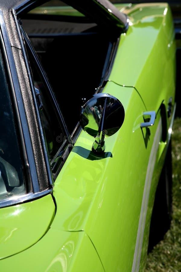 zielony samochód wapna sporty. obrazy stock