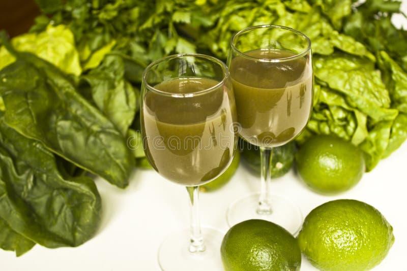 Zielony sok i warzywa zdjęcie royalty free