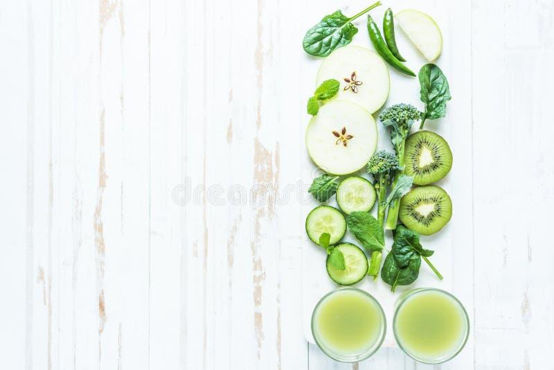Zielony super smoothie przepis fotografia stock