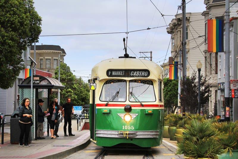 zielony tramwaj fotografia stock