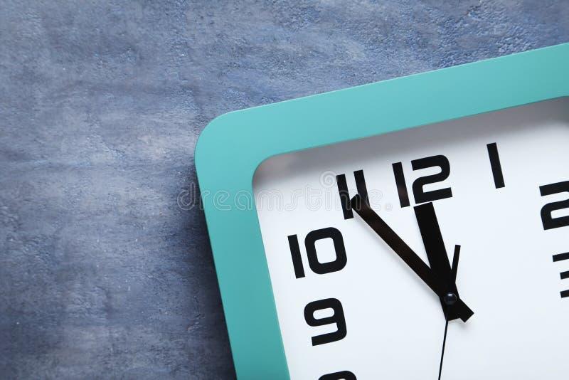 Zielony zegar obrazy stock