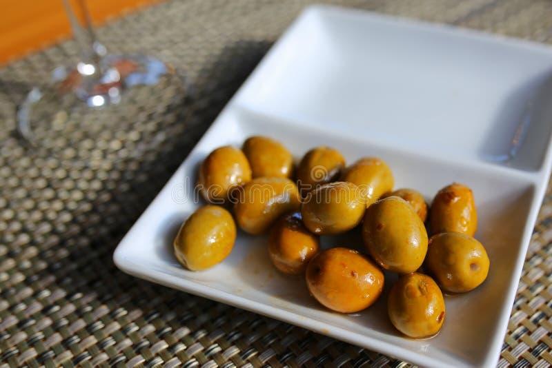 Zielonych oliwek tradycyjny hiszpański tapa fotografia royalty free