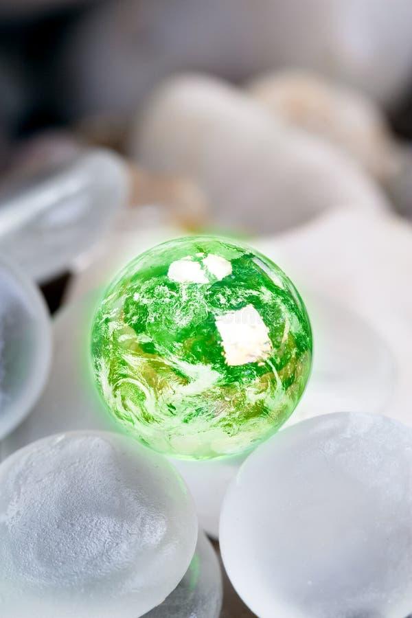 ziemscy szkła zieleni kamienie fotografia stock
