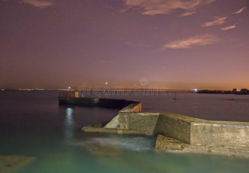 Zig Zag -pijler, St Monan Fife, bij nacht stock fotografie