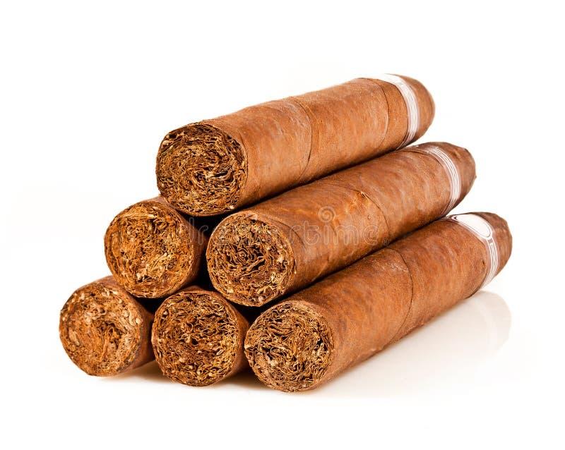 Zigarren auf einem Weiß lizenzfreie stockfotografie