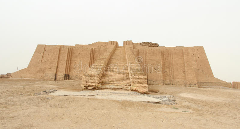 Ziggurat av Ur royaltyfri foto