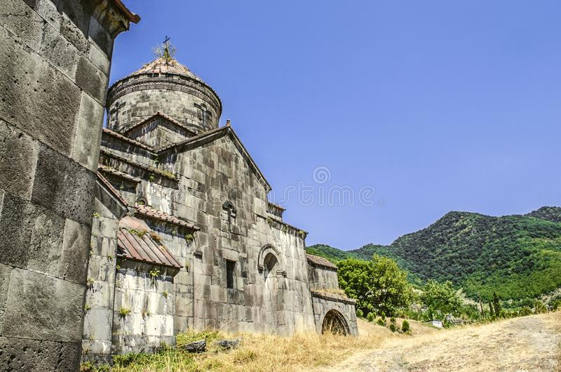 Zijaanzicht over het klooster Gregory Enlightener binnen van Haghpat royalty-vrije stock foto
