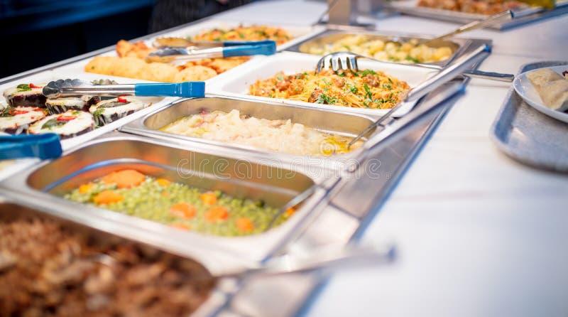 Zijaanzicht van het buffet stock fotografie