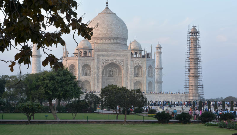 Zijaanzicht van historisch Taj Mahal Agra, Uttar Pradesh India royalty-vrije stock foto's