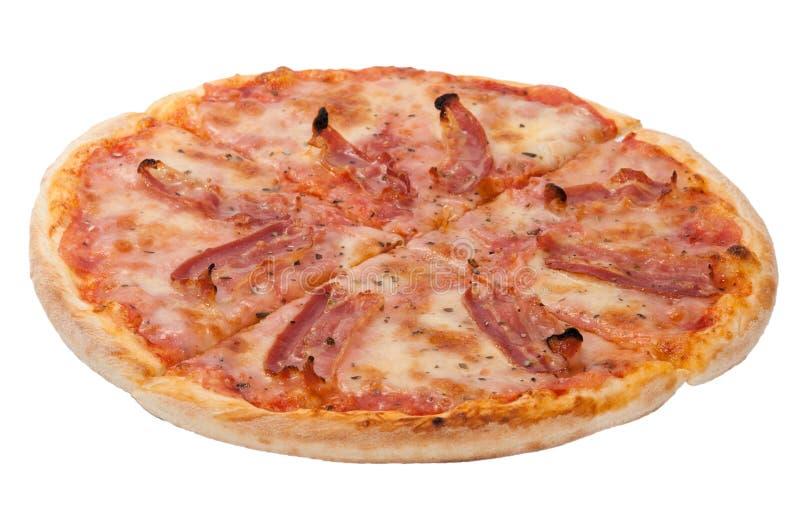 Zijaanzicht van pizza met bacon op de witte achtergrond stock foto
