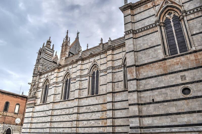 Zijaanzicht van Siena kathedraal royalty-vrije stock afbeelding