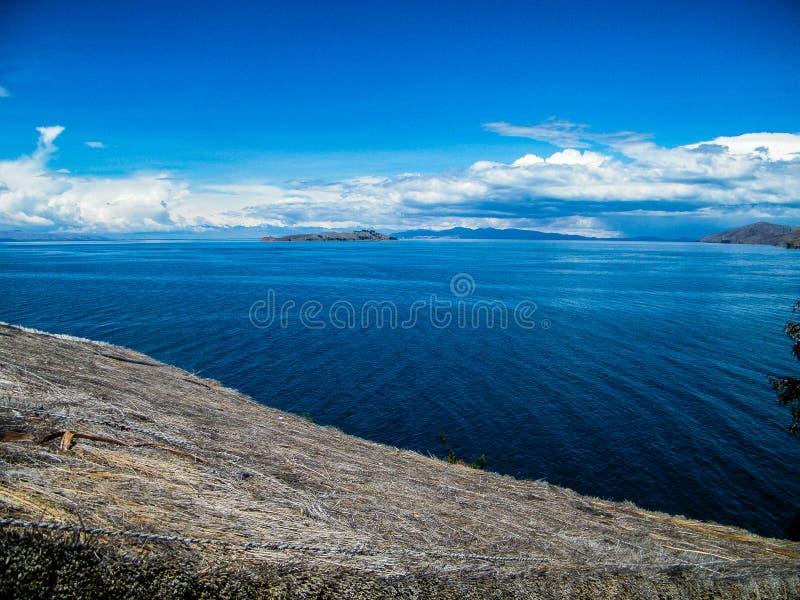 Zijaanzicht van Titicacas-meer in Bolivië - Latijns Amerika stock afbeelding