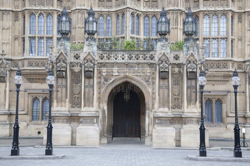 Zijingangsdeur van Huizen van het Parlement, Westminster; Londen royalty-vrije stock afbeelding